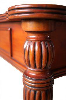 Wohnzimmertisch antik Biedermeier Kannelierung im Detail