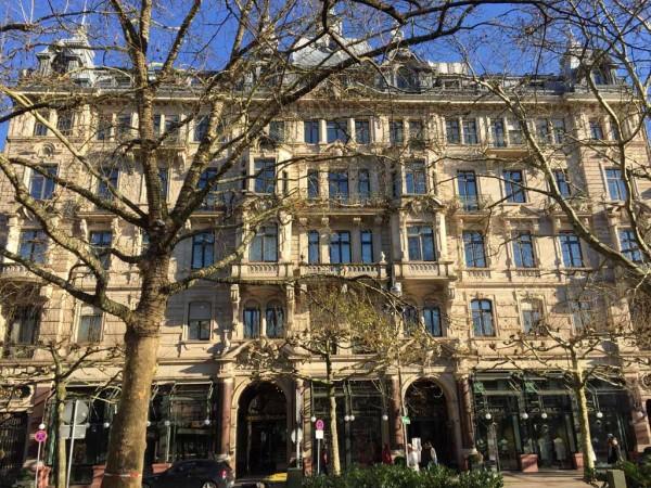 Baden-Baden Geschäftsgebäude Schneider