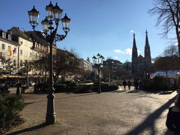 vor dem Standesamt Baden-Baden